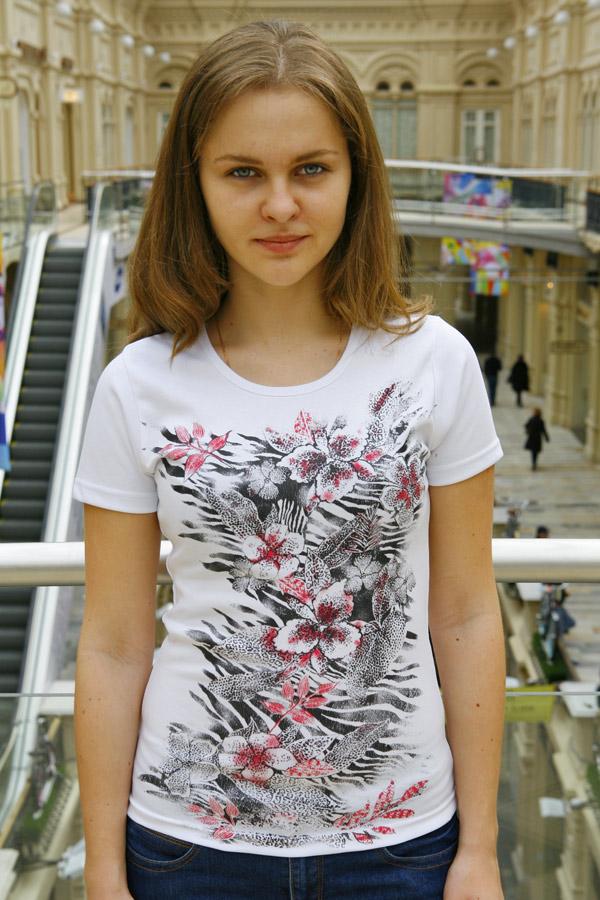 Белая женская футболка «Цветы»